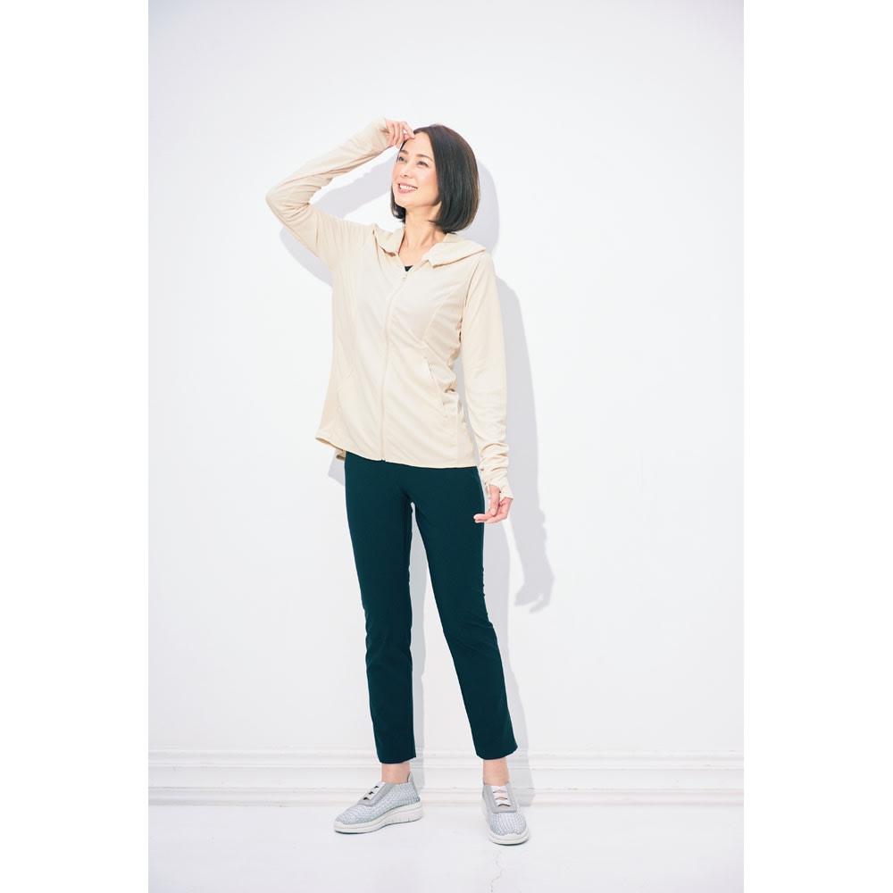 ARIKI/アリキ 夏機能満載スリムパンツ(選べる2丈) (ア)ブラック(股下64cm) コーディネート例 ※お届けはパンツのみです。