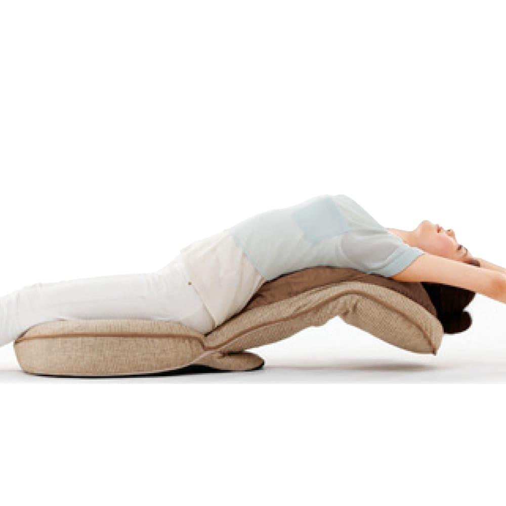 美姿勢GUUUN座椅子 エグゼボード 【2ヵ所の14段階リクライニングでストレッチも】背部と腰部の14段階リクライニングで、背中や腰、胸、肩周りをストレッチ。