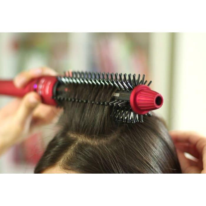 ダメージレスヘアアイロン リペアブライト 根元からしっかり立ち上げられるからボリュームアップも簡単。