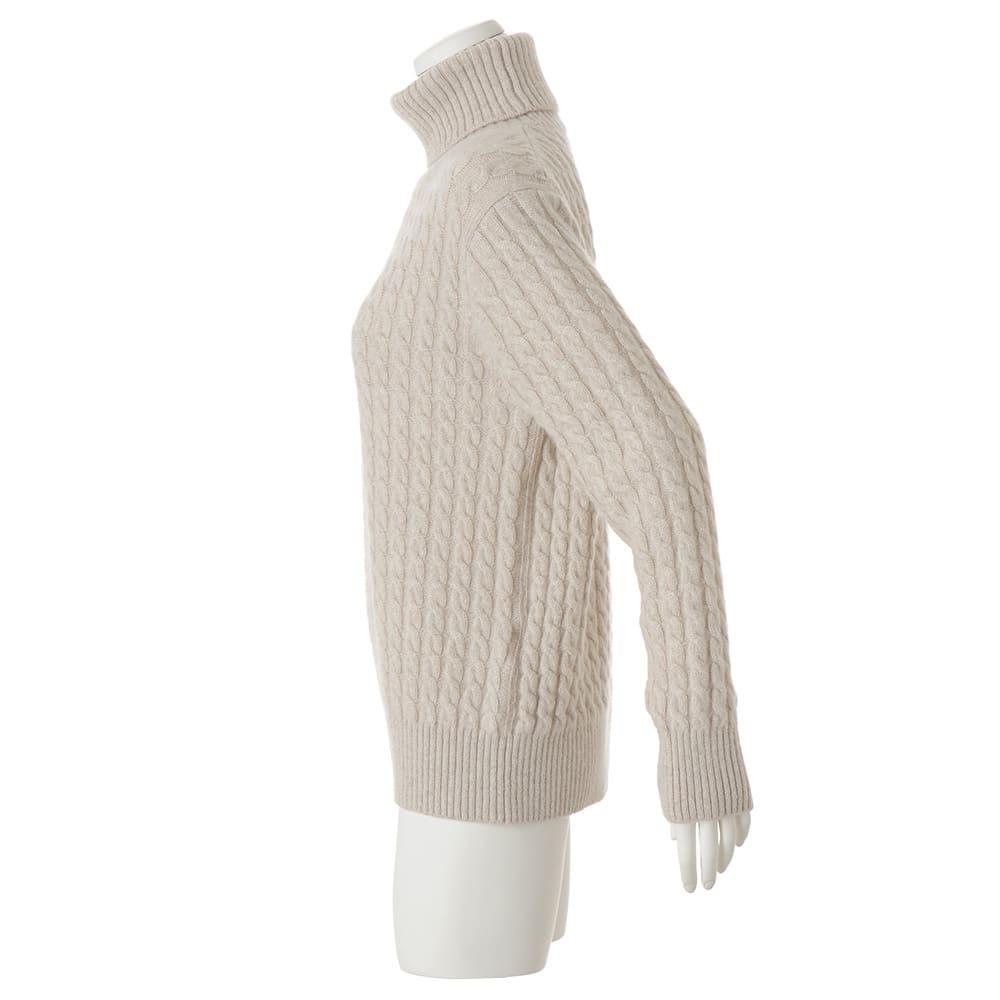 イタリア糸 カシミヤ ケーブル編み タートルネック プルオーバー