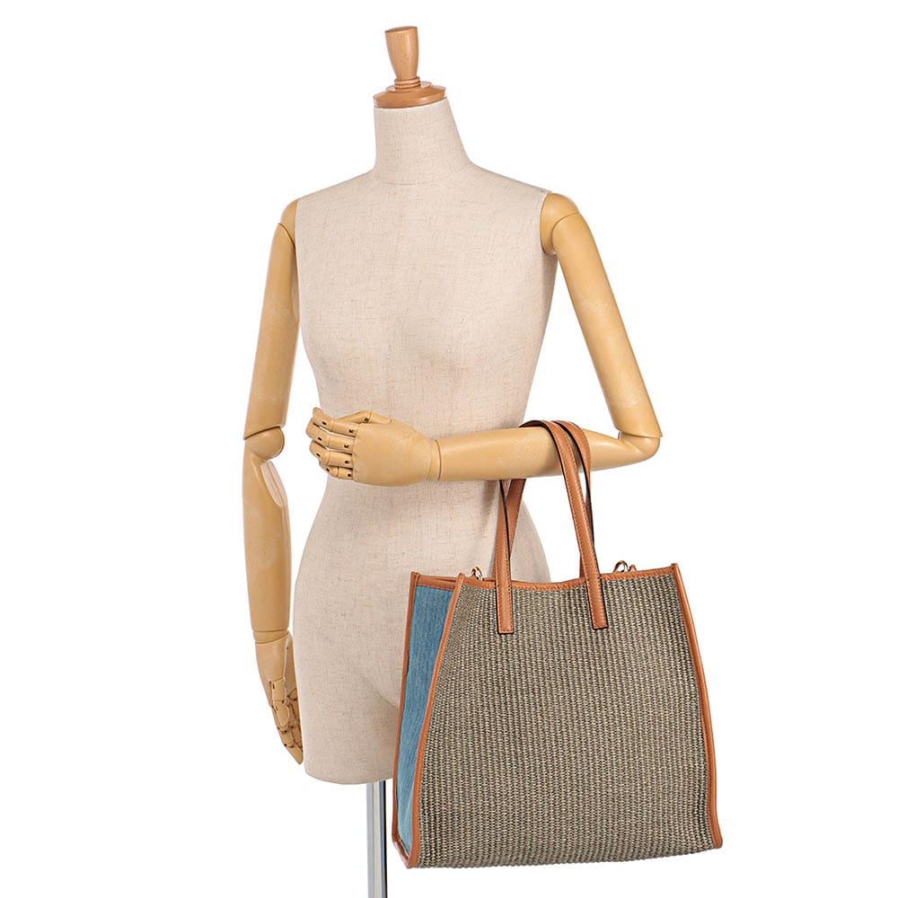 LAURA DI MAGGIO(R)/ラウラ ディ マッジオ 素材コンビ 2WAY バッグ(イタリア製) 着用例
