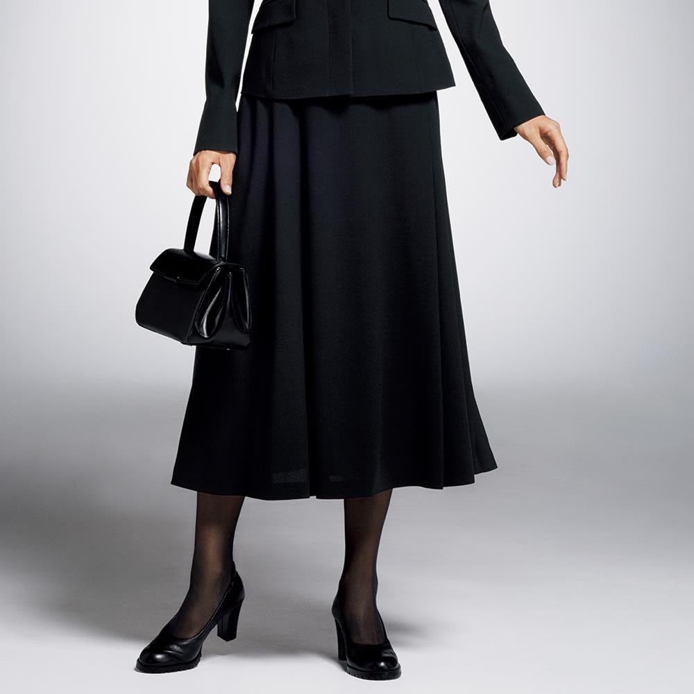 「NIKKE」 マフ クレープジョーゼット フレアスカート 着用例