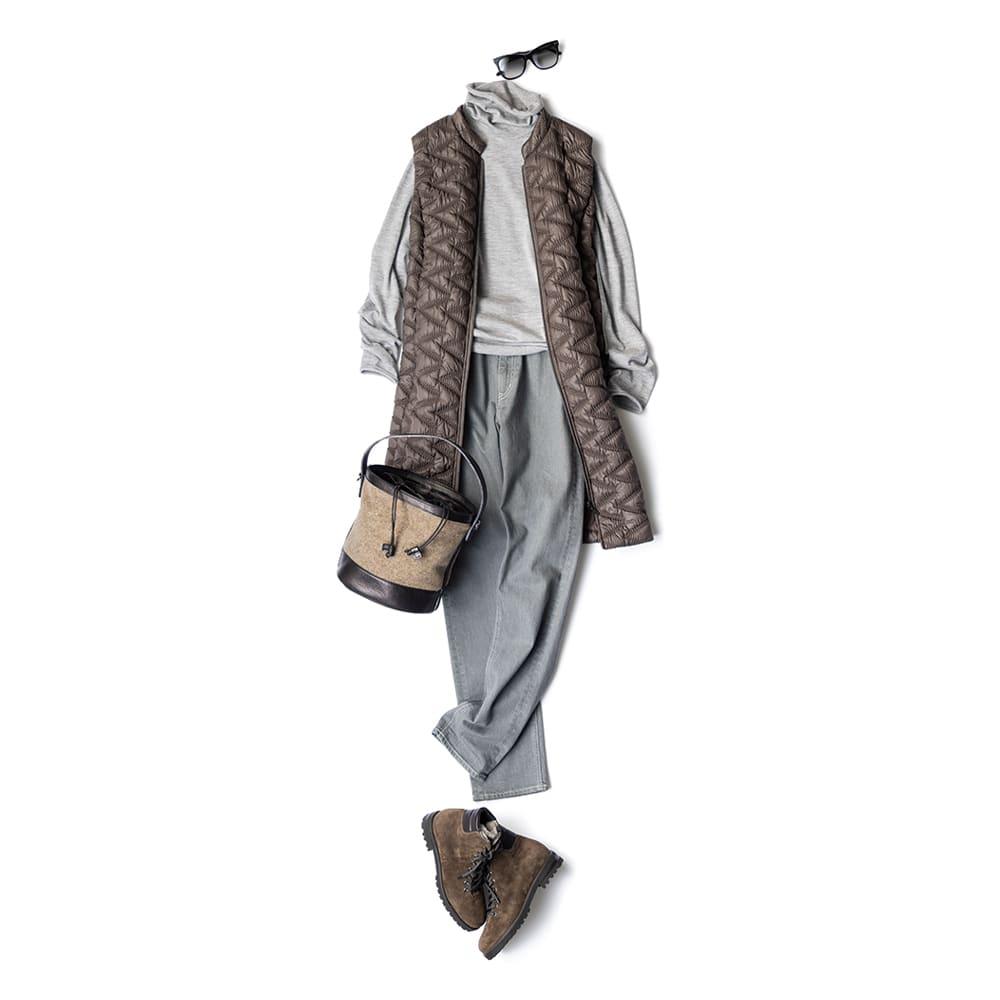 コロンボ社 ウール モッズ風 3WAY コート コーディネート例 /ベストにはトーンの異なる淡いグレーのウエアとバッグや靴を茶系でまとめた色の合わせでリュクスカジュアルな印象に。