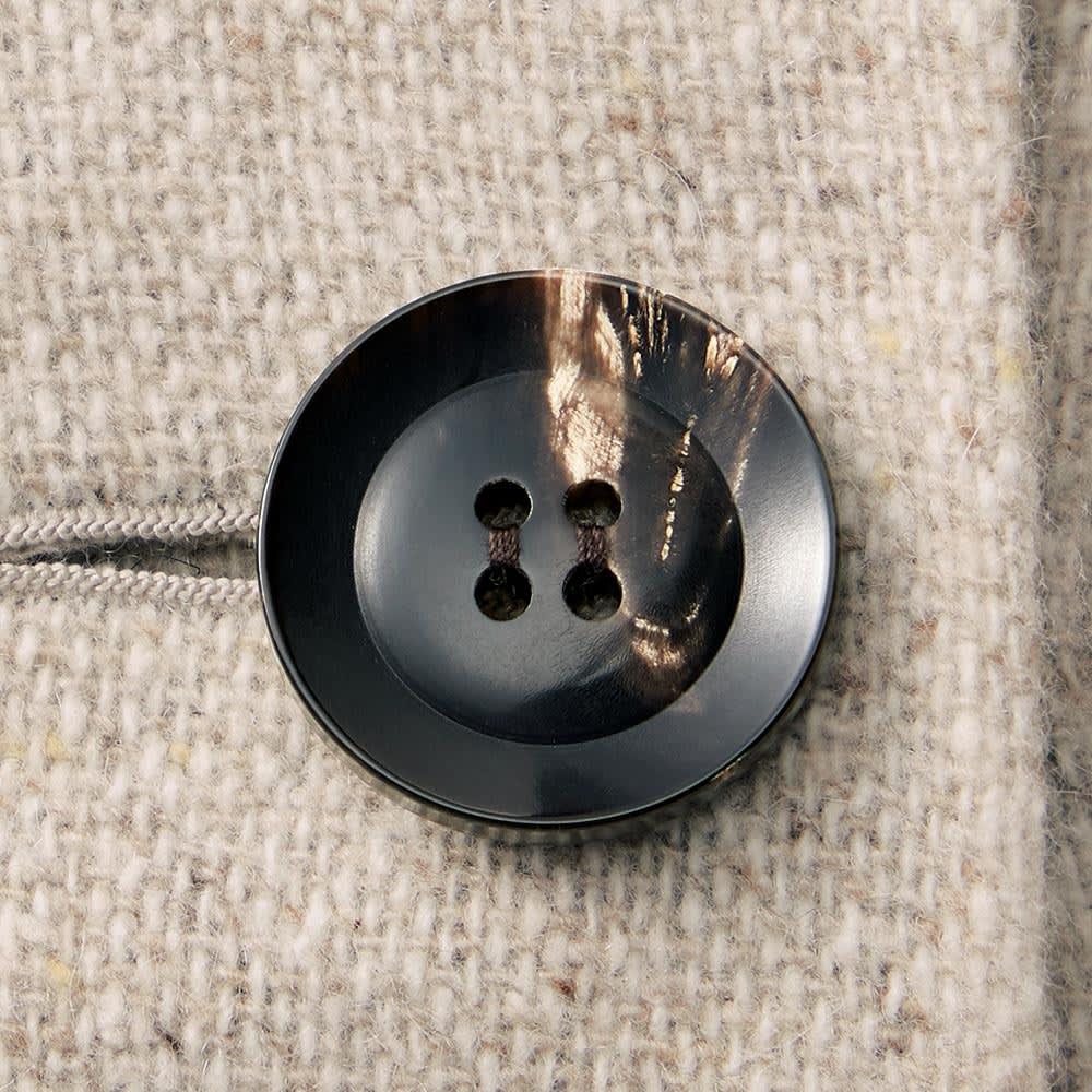 「NIKKE」 カシミヤ ネップツイード リバーシブル コート オートミール面 ボタン部分
