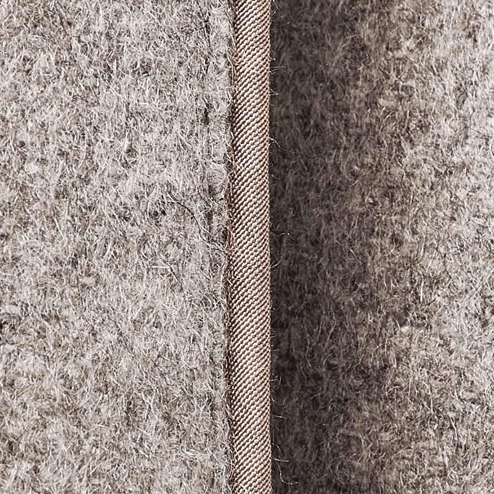 コロンボ社 リバーシブル ダウンコート(イタリア製) パイピング部分