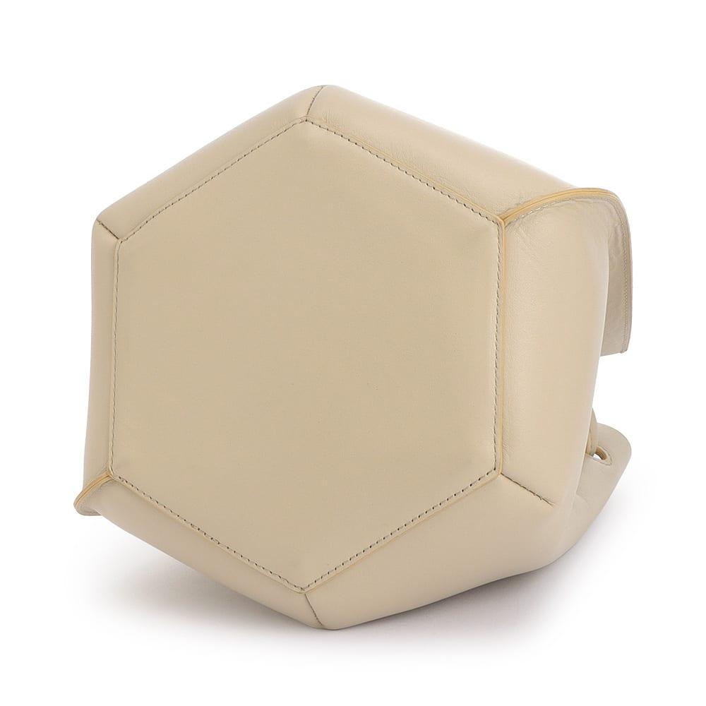 イタリアンレザー 一枚革 ラウンドフォルム バッグ BACK