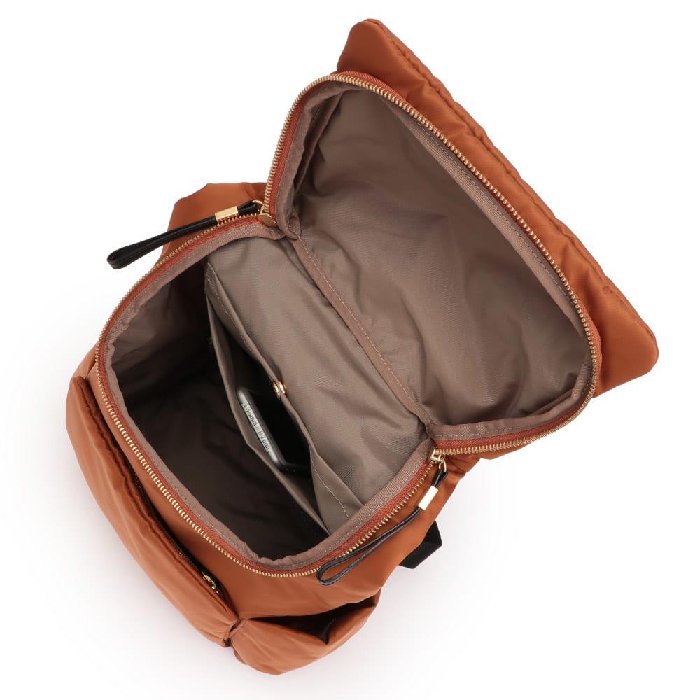 リモンタ社 素材コンビリュック 138mm×67mmスマートフォン内ポケット収納可