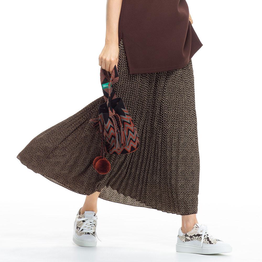 ヘリンボーン風プリント プリーツロングスカート コーディネート例