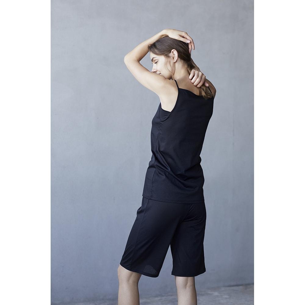 【着丈約60cm】 衣類を労る 汗取りシリーズ(防水布なし) ハイバックキャミソール (ア)ブラック コーディネート例