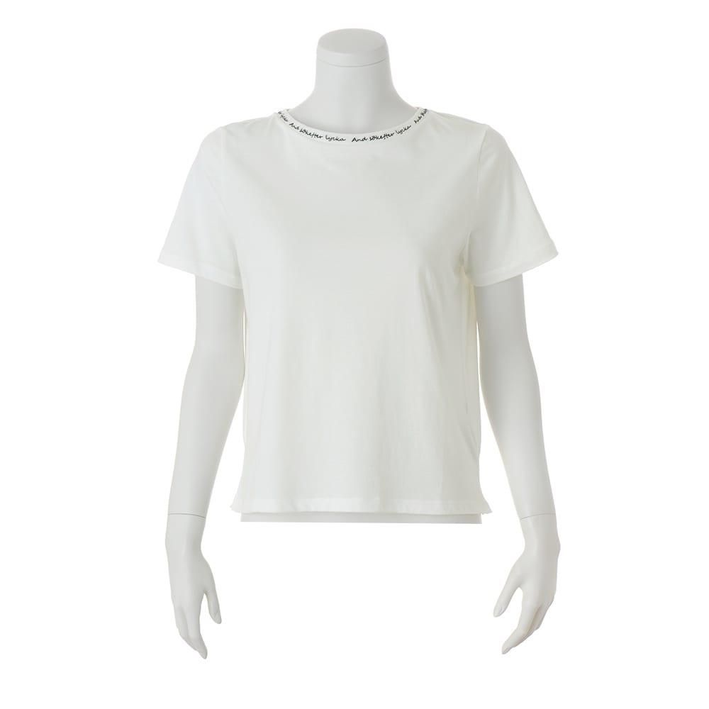 ロゴ刺しゅう使いクルーネック半袖プルオーバー (ア)オフホワイト