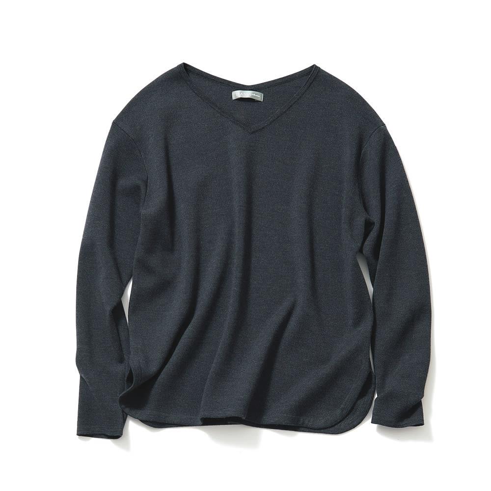 イタリア糸エクストラファインメリノ スムース編みVネックプルオーバー (ウ)チャコールグレー
