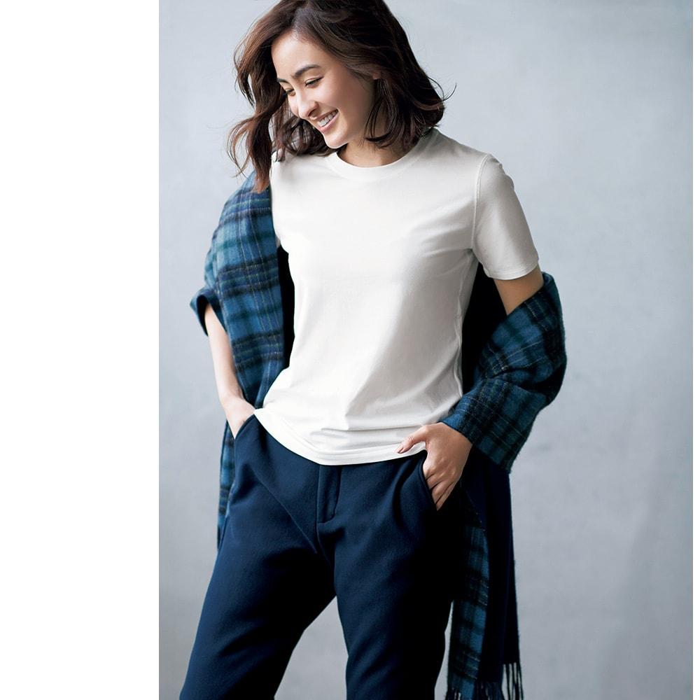 洗えるハイゲージコットンベア天竺シリーズ クルーネック 半袖 Tシャツ (ア)ホワイト コーディネート例