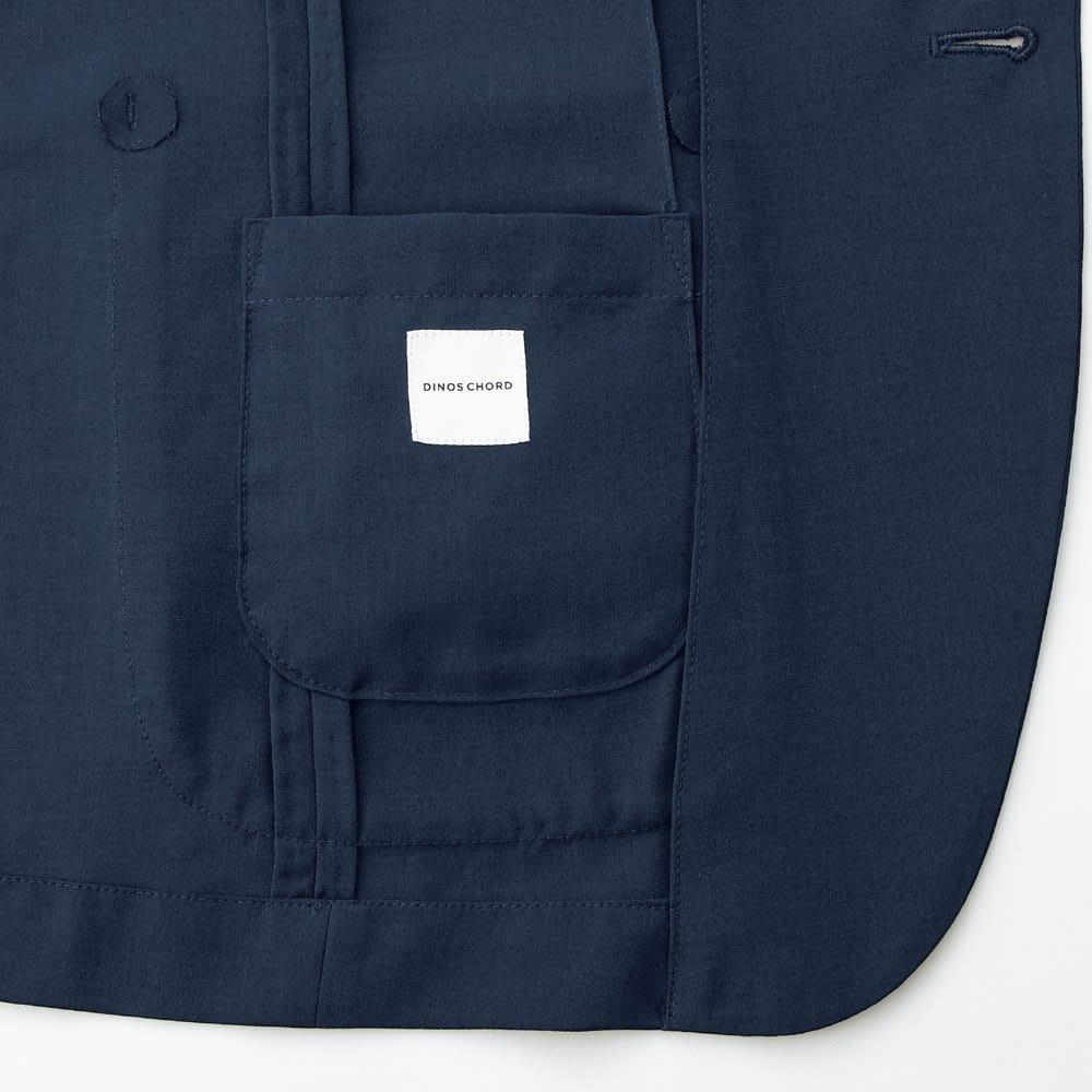 洗える軽量 セットアップシリーズ ジャケット 左胸に小さな内ポケットつき。小銭やカード類などを入れておけるので、なにかと便利です。