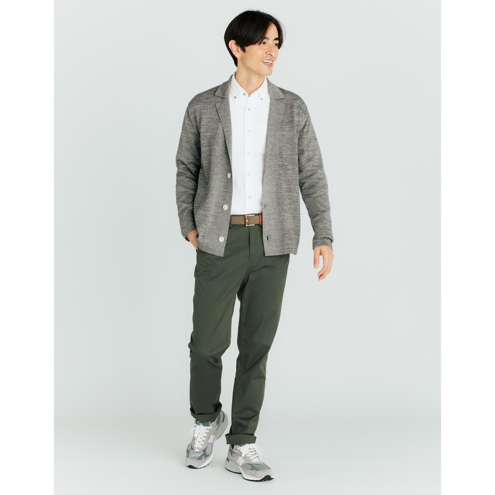 SCENE(R) 7DAYS ジャパンメイドシャツシリーズ 柔らか二重ガーゼ コーディネート例 インにしても決まる着丈 アウトはもちろん、インにしてもかっこよく決まる着丈に。