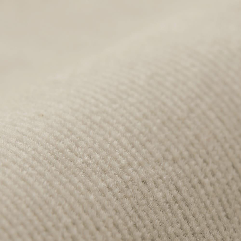 ウエストゴム コーデュロイパンツ ピケ素材より起毛がかったコーデュロイ素材を使用。さらに温かみのある雰囲気に。