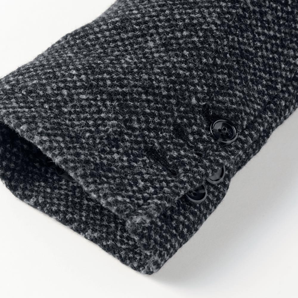 「MAPEL」 スライバーニットジャケット 袖口は折り返してラフに着用してもサマになる本開き仕様を採用。