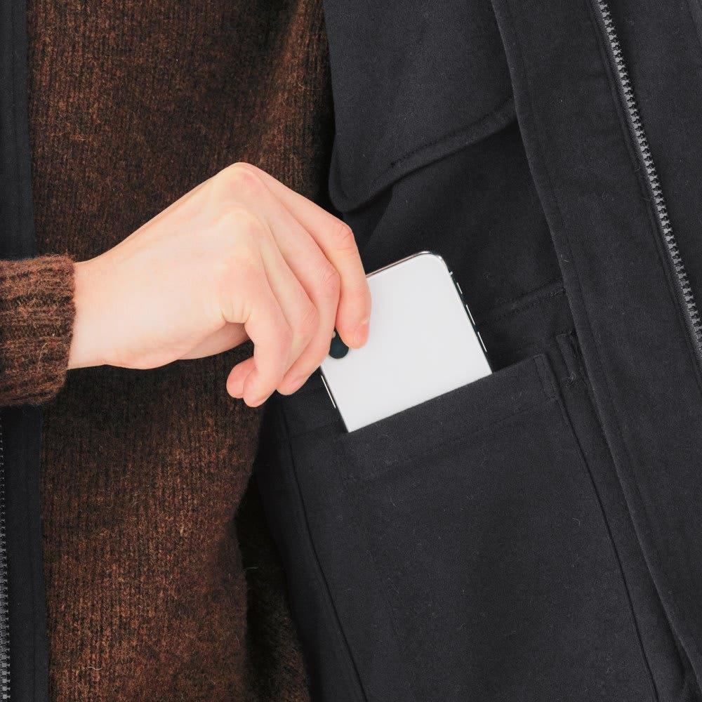 「ULTRA SHELL」 ジャージブルゾン スマホも収まるサイズの内ポケット付きで、機能性は抜群。バッグなしで出かけられます。