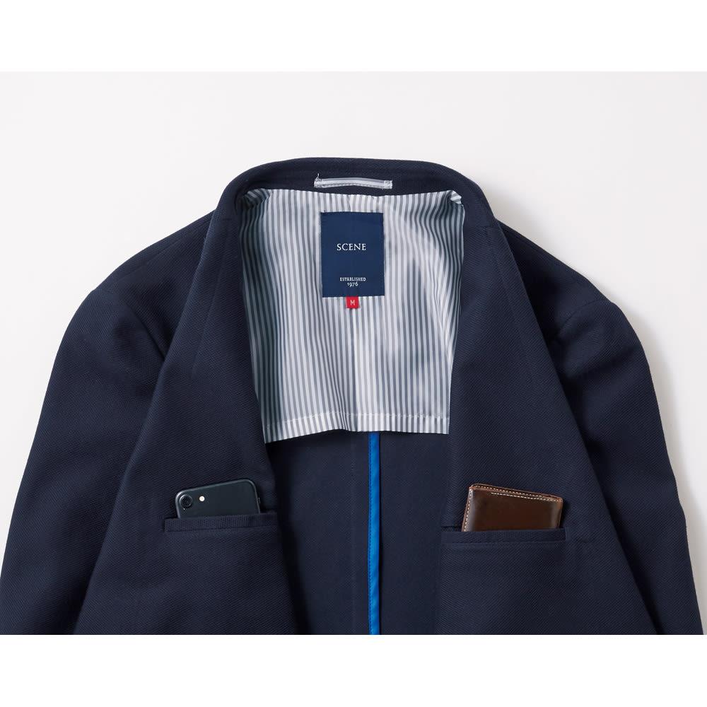 「COOLMAX(R)」 サマーニットジャケット パイピング始末で見えないところまでしっかり縫製。袖部分には裏地をつけて、袖通しよく。