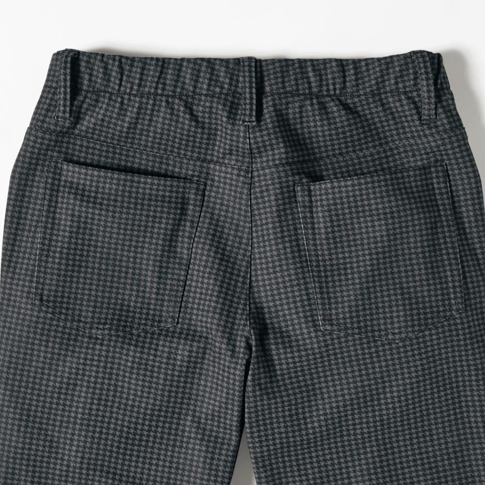 ダウン入りストレッチ テーパードパンツ ブラック Back Style ※同素材の ダウン入りストレッチ テーパードパンツ 千鳥(商品番号:UY53-04~05)