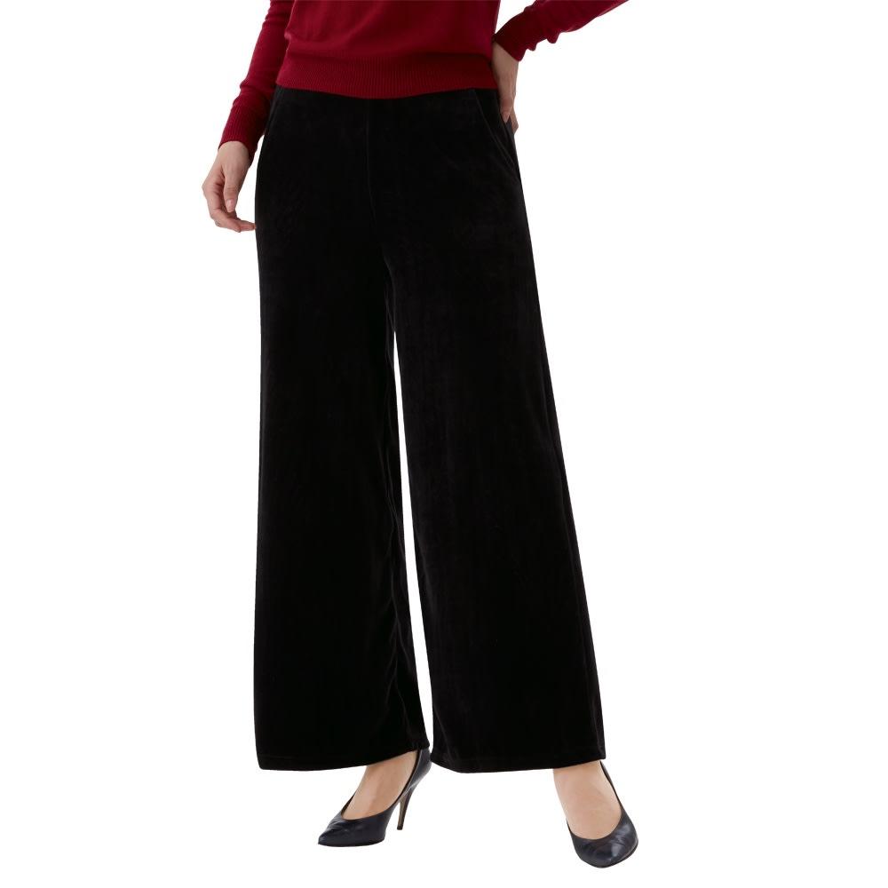 ニットベロア ゆったりワイドパンツ 2色組 ブラック コーディネート例 ニットベロアの上品な風合い 左右に便利なポケット付き