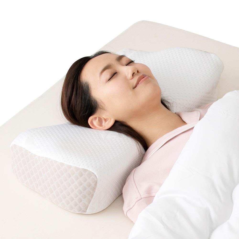 スージー AS快眠枕 2 目指したのは静寂に包まれる睡眠でした 姿勢の安定にこだわった新設計した形状+吸収のしやすさによる静かな深い眠り