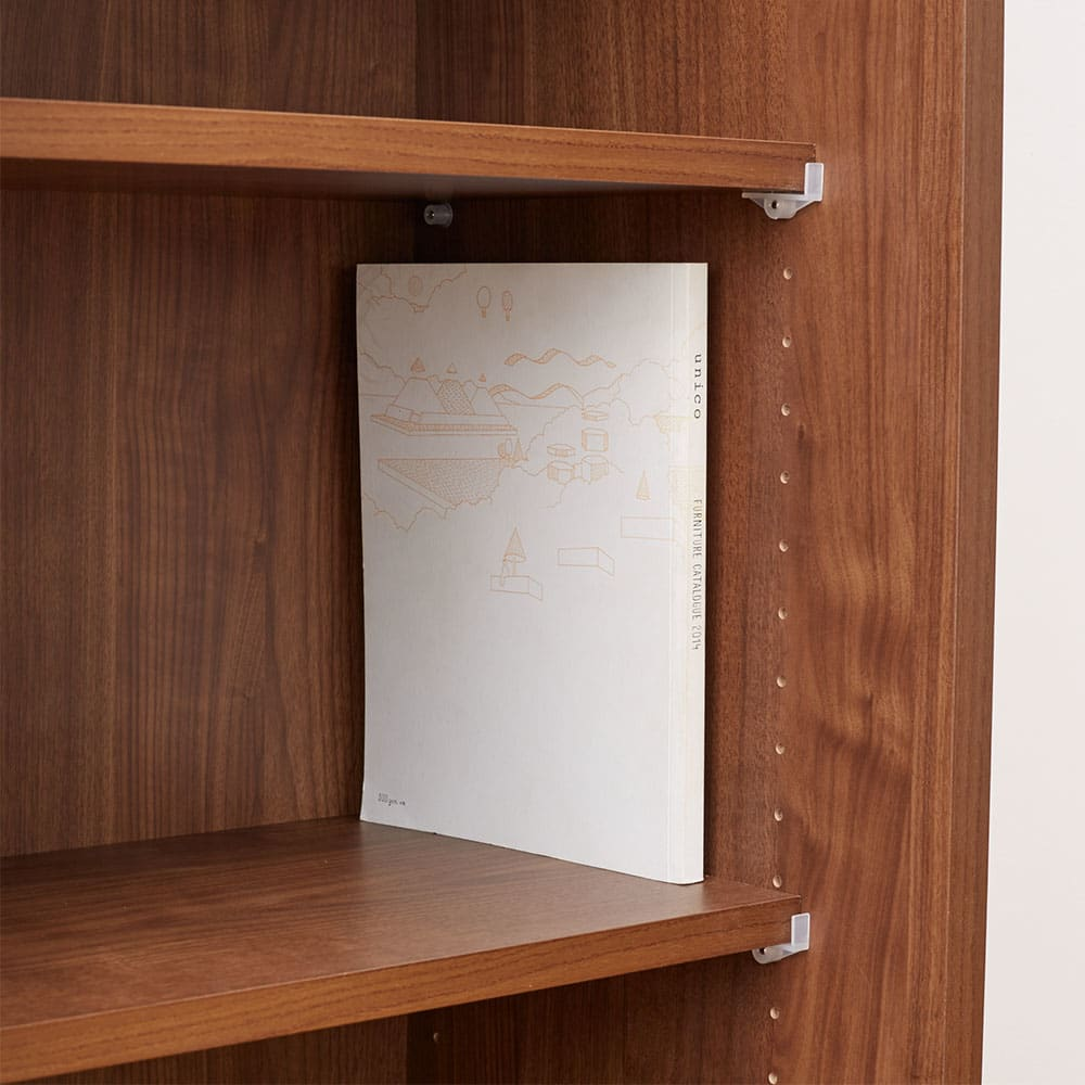 ウォルナット天然木引き戸本棚 上置き 幅90.5cm A4サイズや雑誌も収納できる奥行です。■棚板サイズ:幅41.5奥行28cm