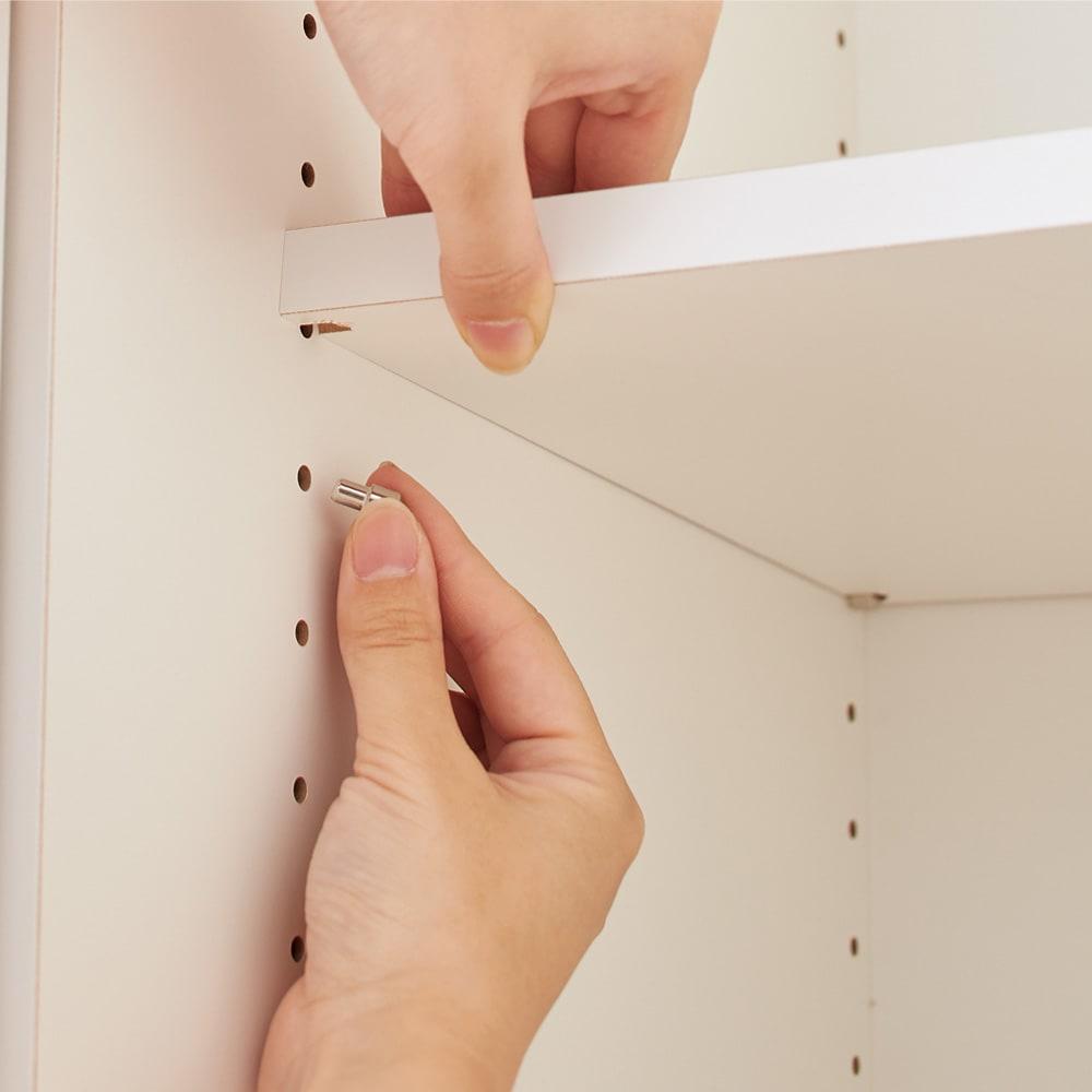 細長いリビングダイニングにおさまる壁面収納 オープン収納 幅60cm 棚板は3cm間隔で可動します。