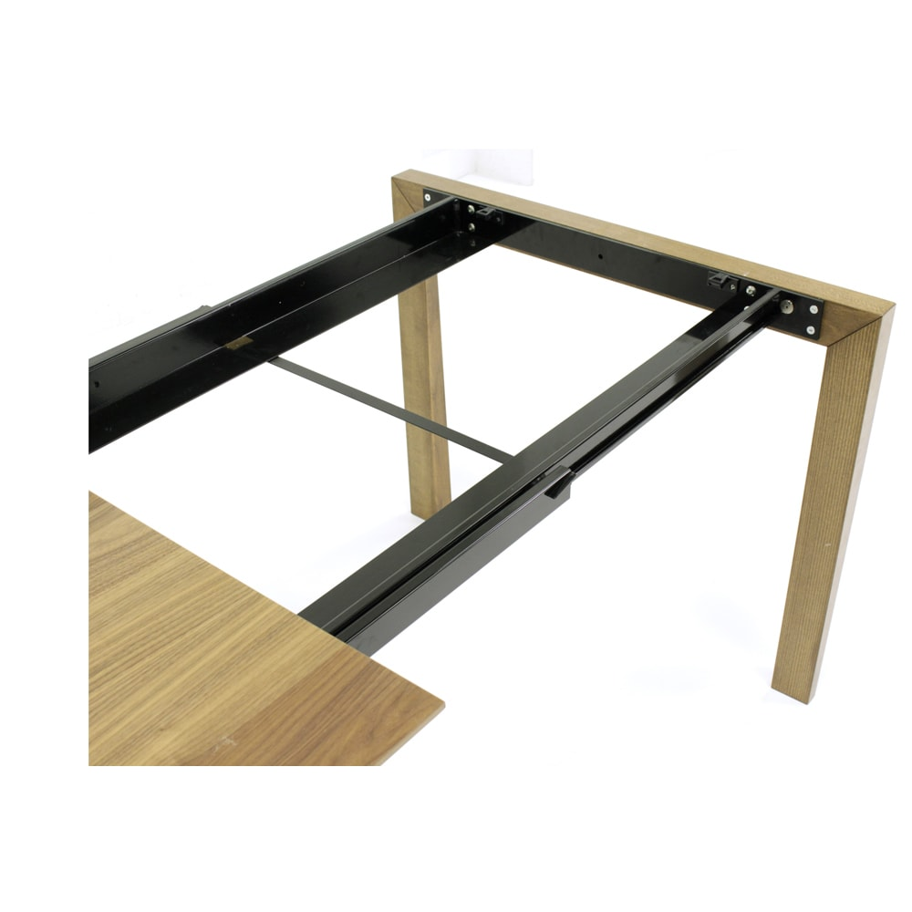 Universe ユニバース イタリア製伸長式ダイニングテーブル 頑丈な金属レールの構造です。(※お届けの色とは異なります)