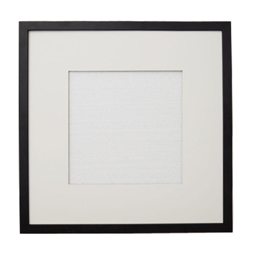 Mode/モード フレーム(マット2枚付き) 色が選べる3枚組セット ブラック(マット:正方形) マットは白・黒のリバーシブル。A4サイズのアートを正方形、長方形のトリミングで楽しめます。
