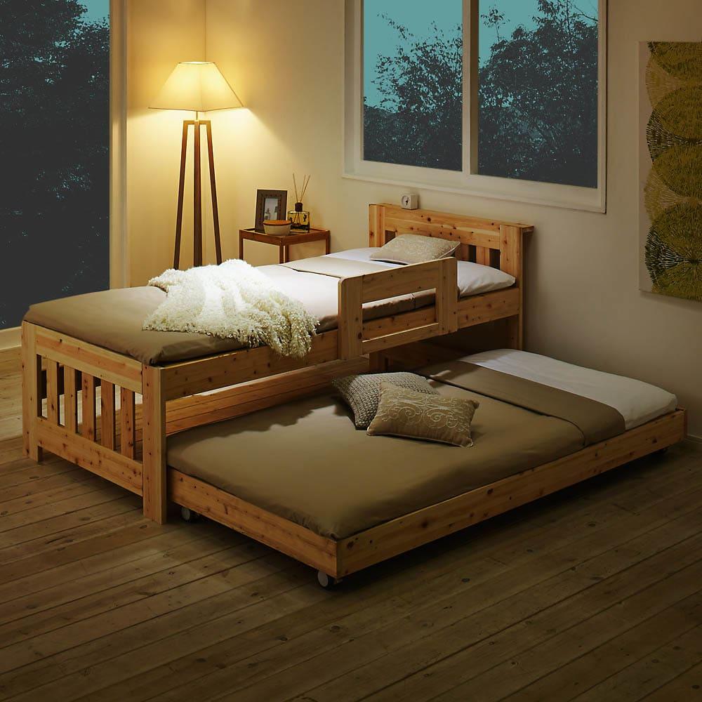 ひのきが香る天然木 親子すのこベッド 上下段親子ベッド 親子で寝たり、泊まりに来た友達用にと重宝しそうです。