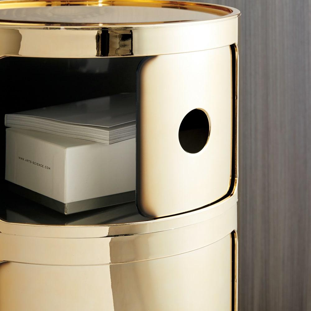 KartellストレージBOX コンポニビリ メタル メタルの表面の塗装は、製法上わずかな粒や色の濃淡があります。不良品ではございませんのであらかじめご了承ください。