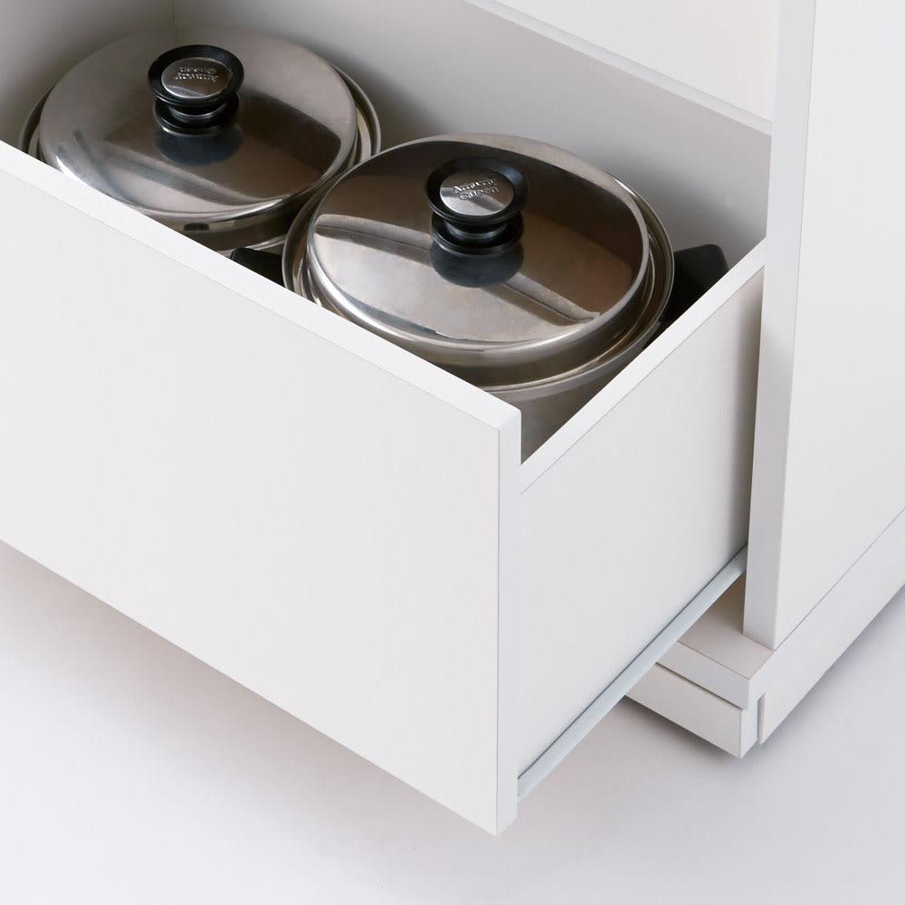 隠しキャスター付き すっきり引き戸カウンター 引き出しタイプ 幅117.5cm高さ100cm 引き出しはレール付きで、忙しい調理中もスムーズに開閉。