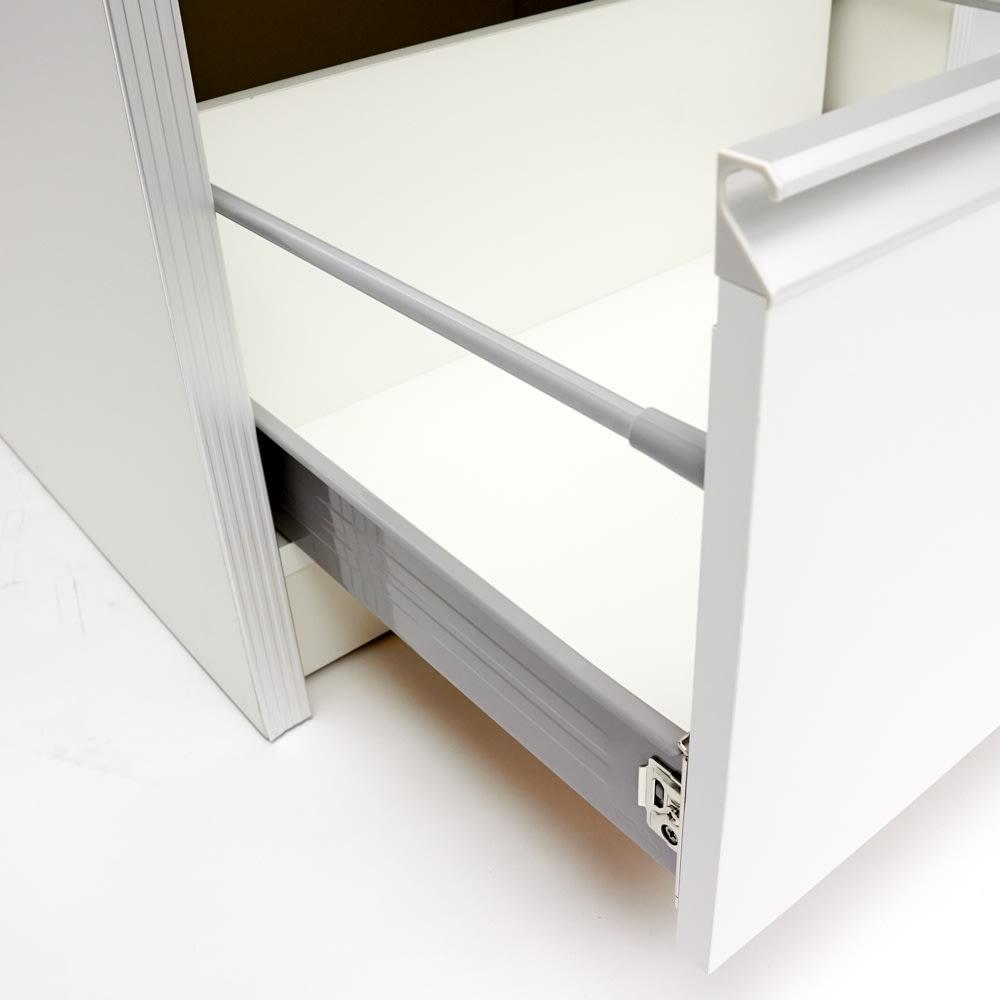 ContrnoII コントルノ キッチン収納シリーズ 家電を隠すフラップボード 幅62cm 引出しは奥までしっかり引き出すことのできるフルスライドレール。滑らかに開閉することができます。