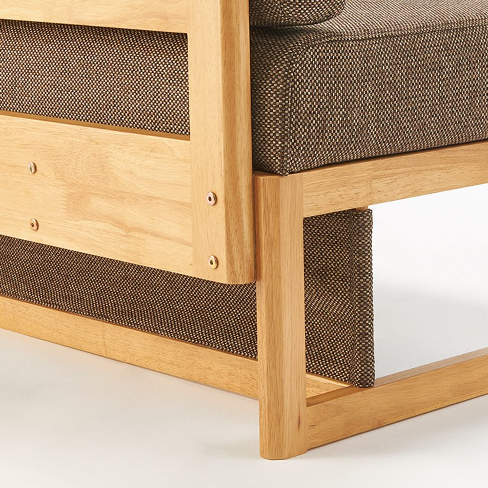 天然木ダイニングこたつテーブルシリーズ ソファ(片アーム付き) 脚部にも生地をつけて、こたつの熱が逃げない仕様になっています。