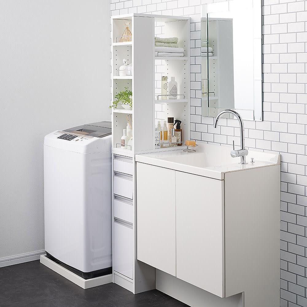 収納物が取り出しやすい3面オープンすき間収納庫 幅25cm 25cmのすき間にもぴったり設置可能です。
