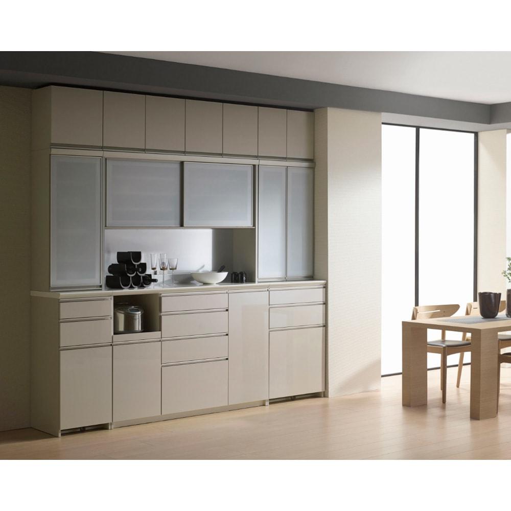 モダンキッチン食器棚 幅80奥行45高さ203cm 設置イメージ ※シルキーアッシュ