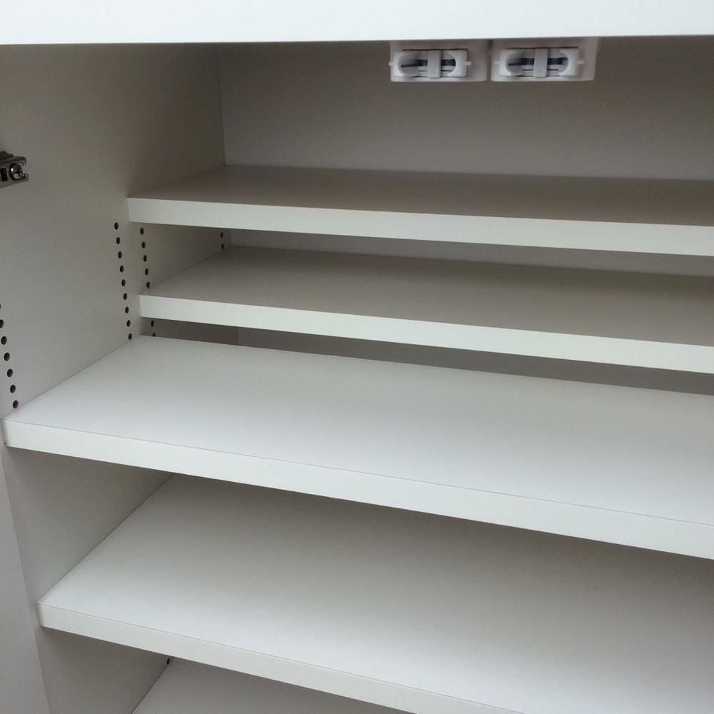 1cmピッチ&段違いで使えるハーフ棚板たっぷり収納庫 幅59高さ70cm 前後の段違い棚で無駄なく空間を活用。狭いスペースにもたっぷり収納。
