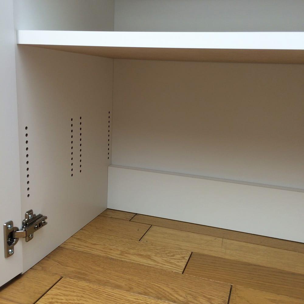 1cmピッチ&段違いで使えるハーフ棚板たっぷり収納庫 幅59高さ70cm 底板のない設計で、重たいものも簡単に収納できます。