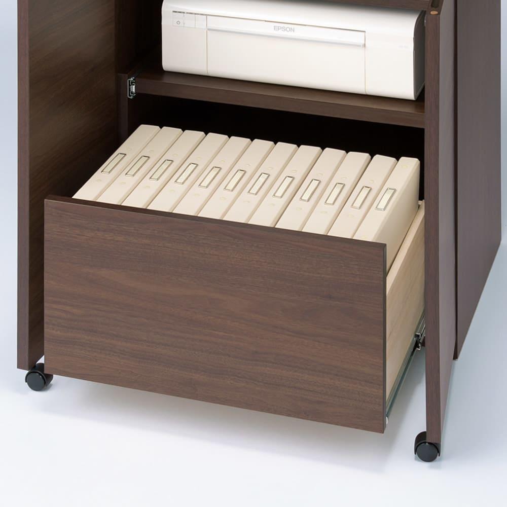 天然木調プリンター収納ライティングデスクシリーズ ロータイプ・幅60.5cm A4ファイルが入る引き出しは、レール付きで開閉簡単。(※お届けの色とは異なります)