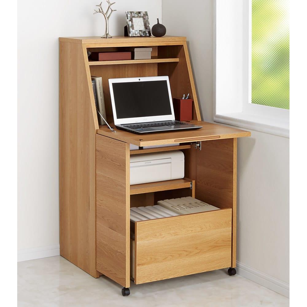 天然木調プリンター収納ライティングデスクシリーズ ロータイプ・幅80.5cm コーディネート例(イ)ライトブラウン ※写真は幅60.5cmタイプです。