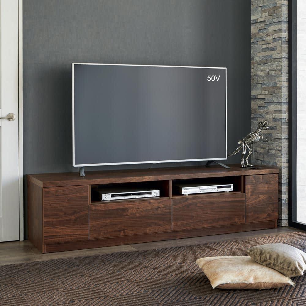 幅が10cm単位で選べるテレビ台 幅160cm コーディネート例 ※写真は幅180cmタイプです。