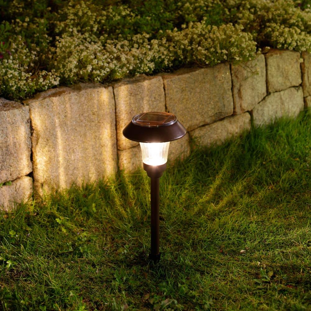 ソーラーライト パワースプレッドライト 土に埋めて使用します。