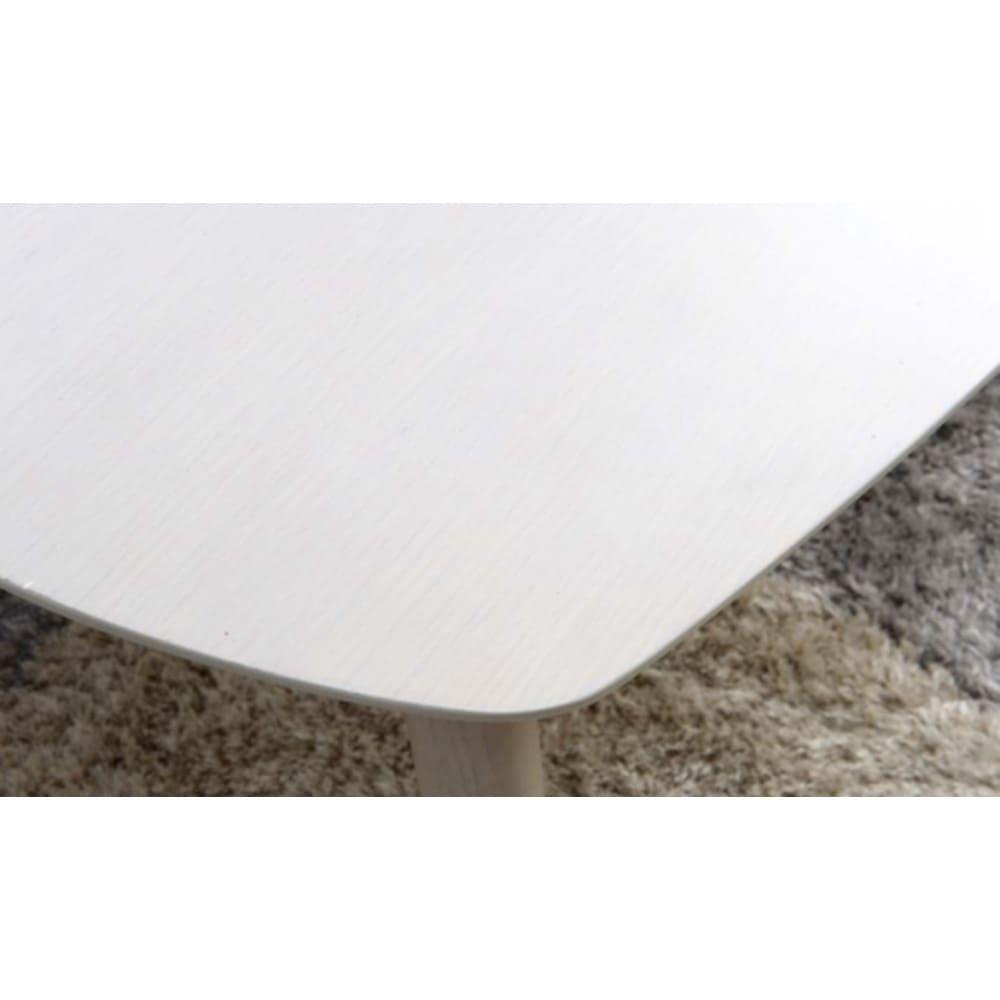 Sereno/セレノ 棚付き折れ脚テーブル(VT4090T) (ア)ホワイト天板はオーク突板を使用した質感高い仕上げが特徴。
