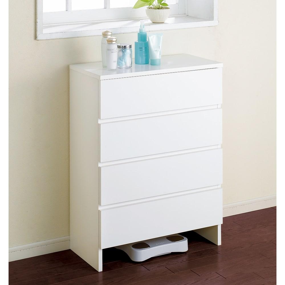 引き出し内部&背面化粧仕上げチェスト 幅75cm・奥行30cm ホワイト色が清潔感を感じる奥行30cmサニタリーチェストです。(※写真は幅60cm・奥行30cmタイプです。)