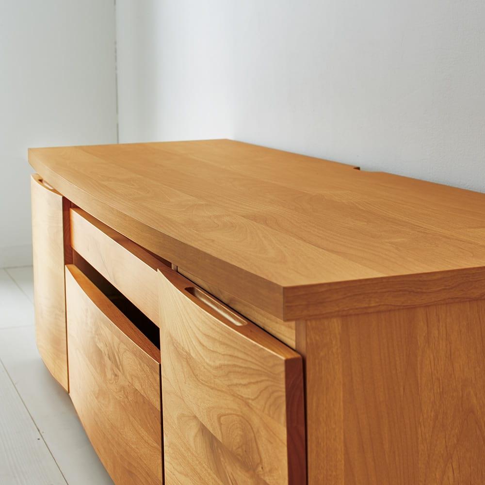 アールデザインローデスク サイドチェスト幅35cm 【やさしく癒されるアールデザイン】なめらかな曲線を描く美しいアールデザインで、天然木の風合いもより際立って感じられます。