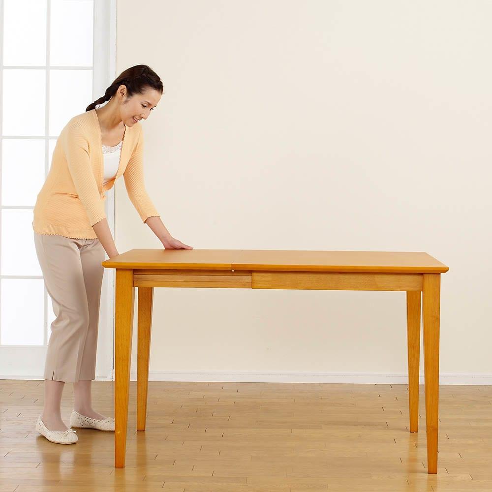 バタフライ伸長式ダイニング 3点セット(バタフライテーブル幅75~120cm+チェア2脚組) 【伸長方法3】脚部を最後まで引っ張りだしたら完成です。