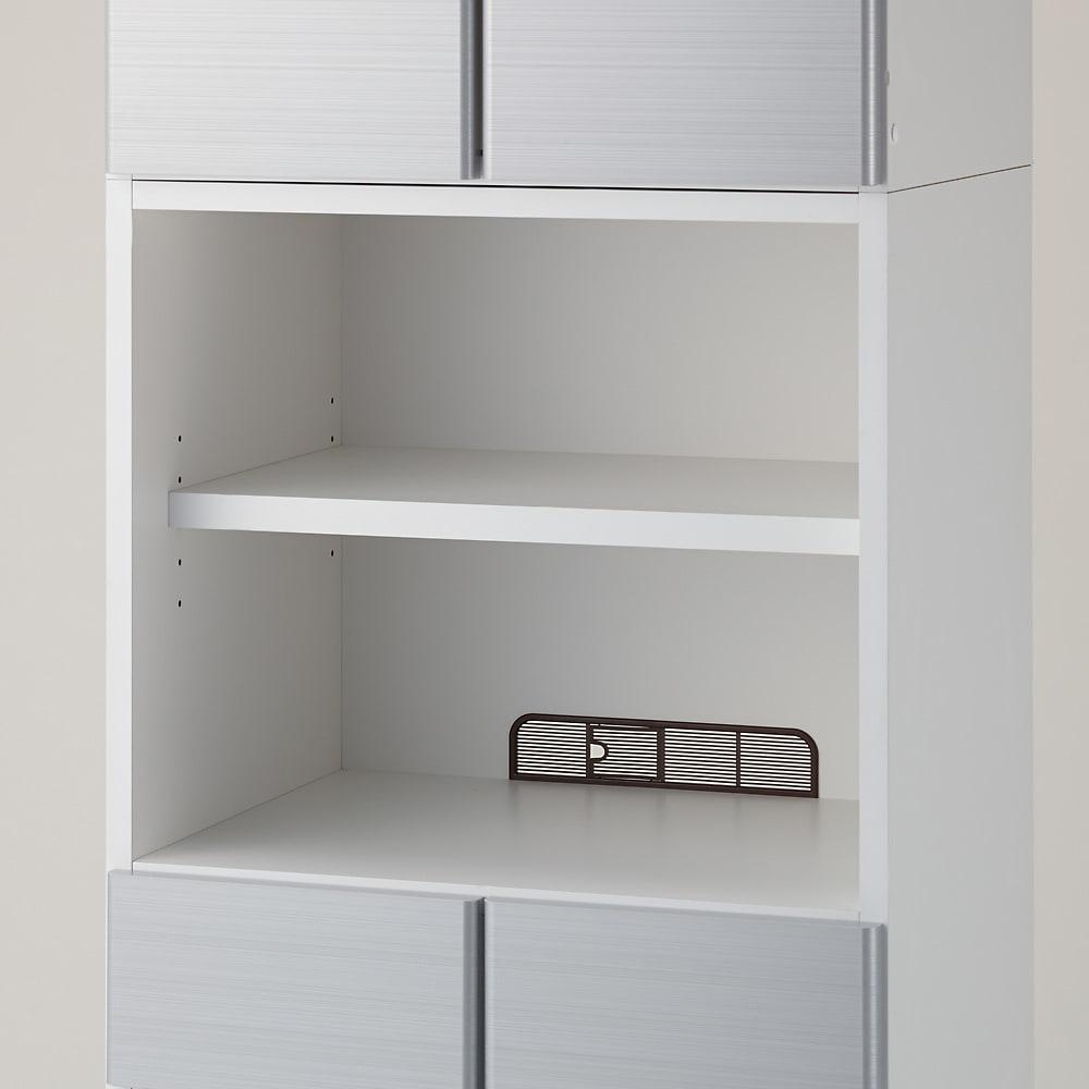 LDK壁面収納(高さ200cm) 扉オープン・引き出しタイプ 幅78cm 中段のオープン部はディスプレイ収納に!背面へのコード穴があるので、オーディオ機器や携帯電話などの家電製品も設置可能。