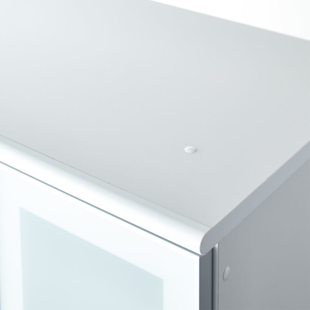 LDK壁面収納(高さ180cm) ダイニングボード 板扉 幅121cm 天板も綺麗な化粧仕上げです。