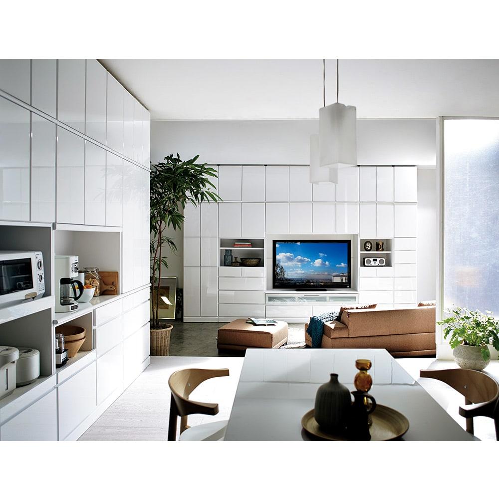 LDK壁面収納(高さ200cm) ダイニングボード ガラス扉 幅86.5cm コーディネート例(ア)ホワイト(光沢無地)