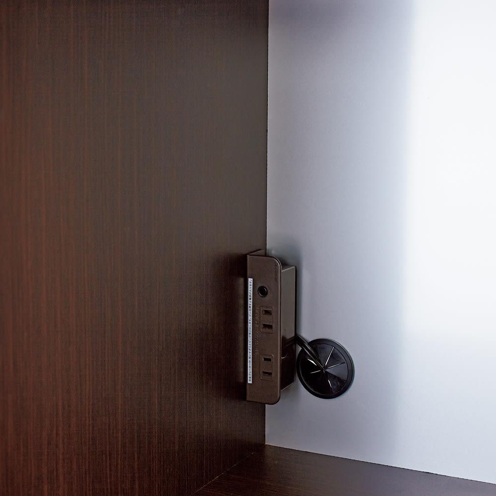 LDK壁面収納(高さ200cm) レンジ収納 板扉 幅58cm スライドテーブル横にはコンセントを設置。